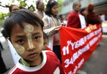 Burmese demand release of freedom fighters