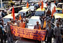 Taxi drivers protest in Delhi