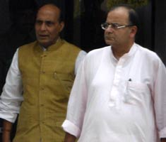 Jaitley meets Rajnath Singh