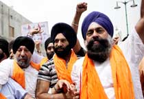 Sikhs protest against CBI's clean chit to Tytler