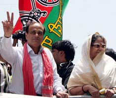 Jaya campaigns with Abu Azmi