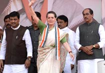 Sonia campaigns in Mumbai