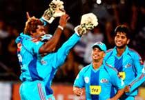 Mumbai Indians beat Knight Riders