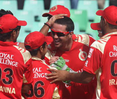 Royal Challengers beat Knight Riders