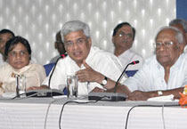 Left, UNPA vow campaign against UPA