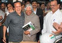 ISRO gifts moon to India on Nehru's birthday