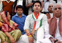 Jyotiraditya Scindia joins Congress campaign in MP