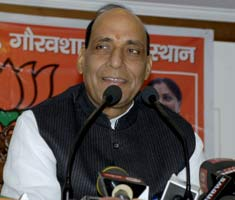 Rajnath interacts with media in Jaipur