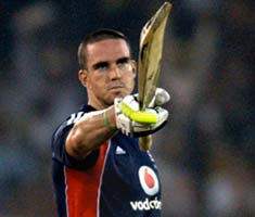 Pietersen's ton goes in vain