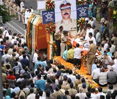 Nation bids adieu to Hemant Karkare