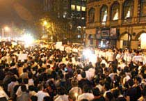 Mumbai stands united against terror