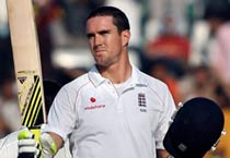 Pietersen leads England from the front