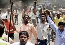 Violence simmers in Punjab