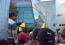 Indian students take to streets in Oz