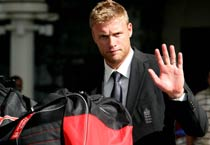 Flintoff to retire from Tests