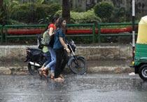 Rains make Delhi wet