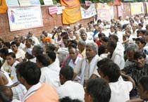 Farmers protest against WTO