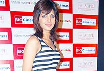 Priyanka gets a new haircut!