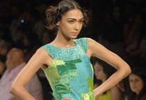 LFW '09: Sudhir and Tapash collection