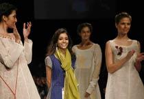 LFW '09: Paromita Baneerjee collection
