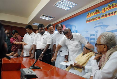 Karuna briefs media on Lankan Tamils' plight