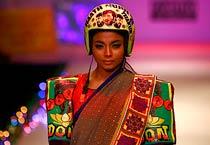 Nida Mahmood gives sari a twist!
