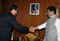 Jamir meets Cong-NCP leaders