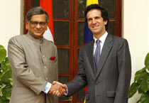 Colombian external relations minister in India