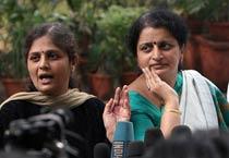 Kavita Karkare meets Sonia Gandhi