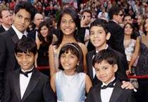 <em>Slumdog</em> stars shine at the Oscars