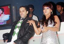 Rakhi goes glam for IshQ