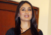 Bebo promotes <em>3 Idiots</em> in saree