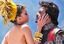 Ash romances Rajni in Endhiran