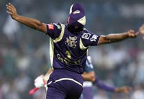 Kolkata stun Deccan in IPL opener