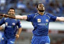Pollard helps Mumbai thrash Delhi