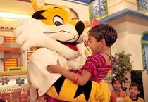 CWG mascot Shera visits kids!