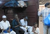 Railway strike paralyses Mumbai