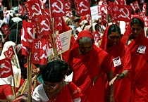 All India Anganwadi workers hold protest