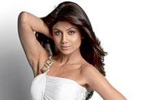 Shilpa Shetty sizzles on <em>Cosmo</em>'s cover