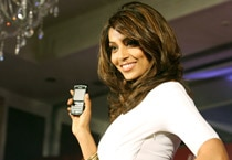 Bipasha to join Twitter soon!