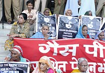 Bhopal survivors stage protest