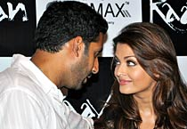 Ash, Abhi promote <em>Raavan</em>