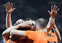 Netherlands beat Uruguay to enter finals