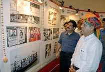 Navin Chawla at a photo exhibition in Jaipur