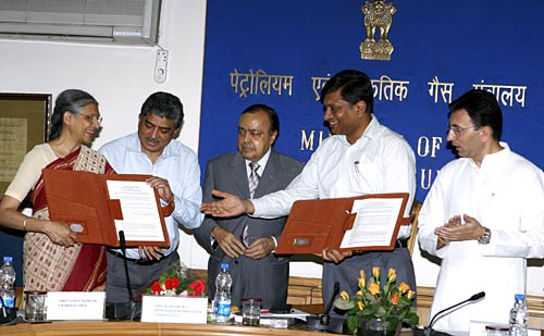 UIDAI Signs MoU with Ministry of Petroleum and Natural Gas