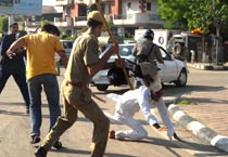 Students clash with police in Jaipur