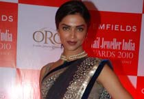 Deepika gets Jewellery Style Icon Award