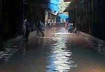 Rains maroon Delhi roads