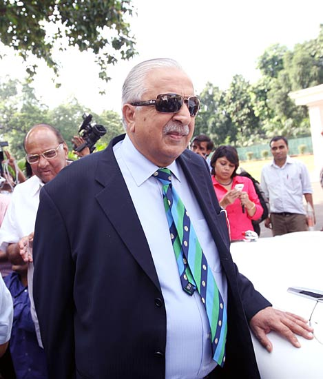 Spot-fixing: Pawar meets PCB chief