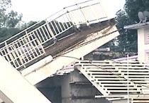 Footbridge near CWG venue collapses